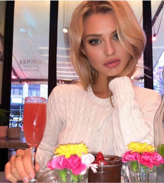 У российской модели и нигерийского футболиста подрастает дочь экзотической внешности