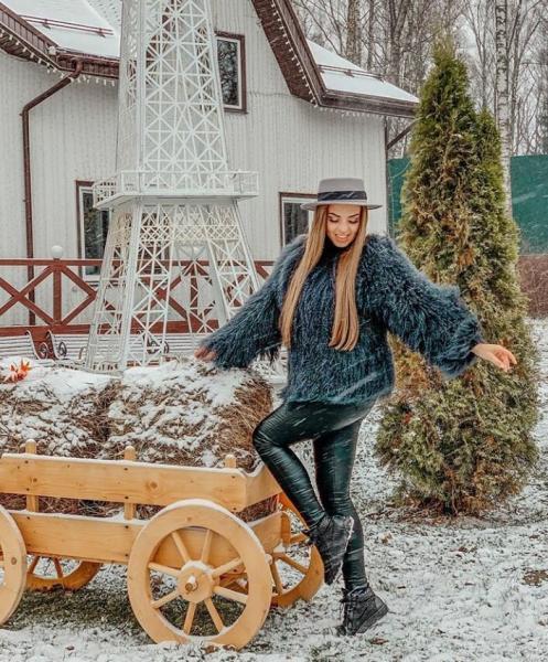 Ефременкова вернется на проект участницей. Черно празднует юбилей. Савкина не досмотрела за Богданом