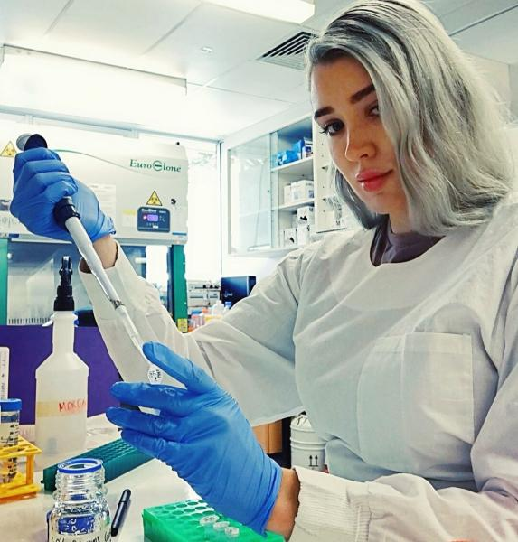 Как выглядят зарубежные молодые девушки-вирусологи, которые борятся с коронавирусом. Фотоподборка из Инстаграм.