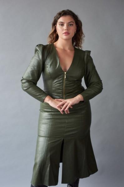 "Plus size модель Люси Кнелл: ""творческий подход к красоте"""
