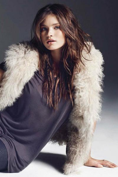 Иванна Милошевич: плюс-сайз модель с длинными ногами и очаровательной улыбкой