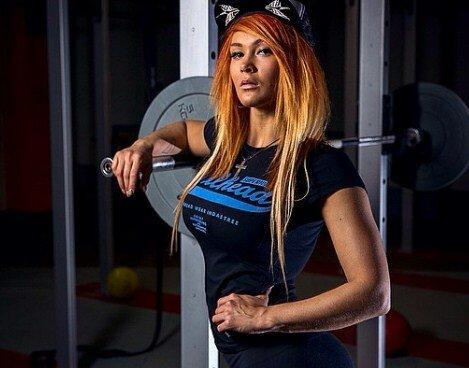 Как девушка за 8 месяцев трансформировалась из домохозяйки в фитнес-модель