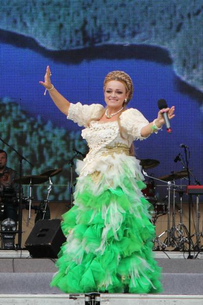 Надежда Кадышева: Как выглядит певица в повседневной жизни без концертной прически и нарядов