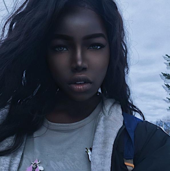 «Темная королева» инстаграма. Американско-индийская девушка удивительной красоты, отказавшаяся от титула модели - Лола Чуил