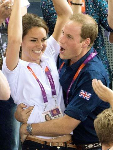 """Уильям и Кейт Миддлтон: """"Принц любит Кэтрин до кончиков волос, шаг за шагом она влюбляла его в себя""""."""