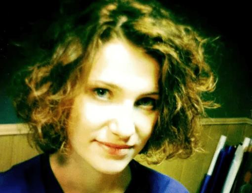 """""""Ей было всего 11 лет, когда не стало отца"""". Как складывается жизнь единственной дочери актера Андрея Ростоцкого"""
