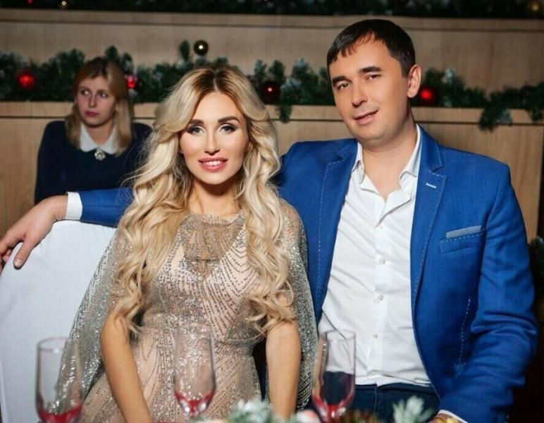 Савкина озвучила зарплату Богдана и Василисы. Строкова и Сахнов хотят вновь сойтись. Андрей и Роза Шабарины вернутся на проект