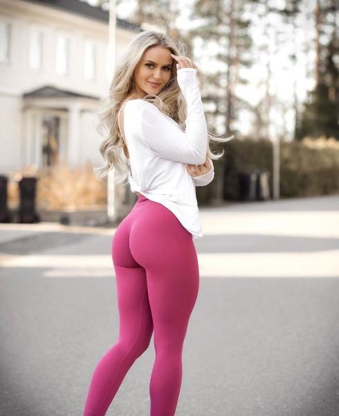 Анна Нистром – шведская фитнес-модель и известный блогер