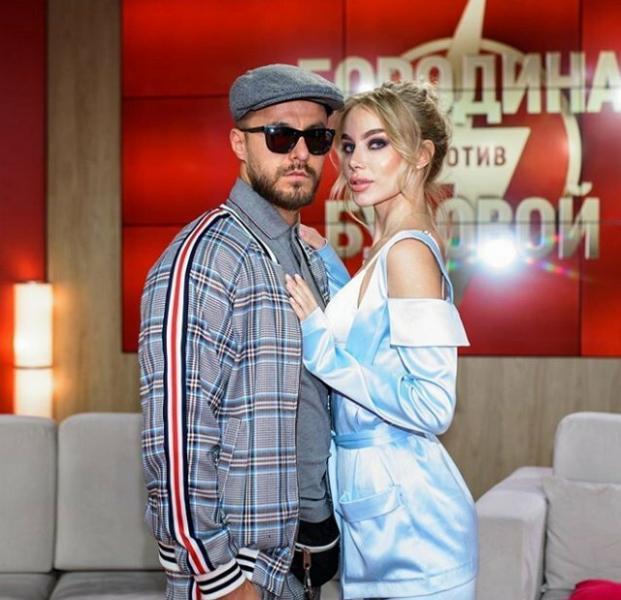 Блюменкранц и Левченко переносят свадьбу. Уманский ушел от Паршиной. Савкина не хочет переезжать с комнаты
