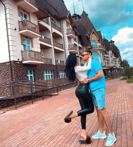 Блюменкранц пришел в ЗАГС с Татой. Макеев уже на проекте, но Селена ему не нужна. Результаты теста на беременность Левченко