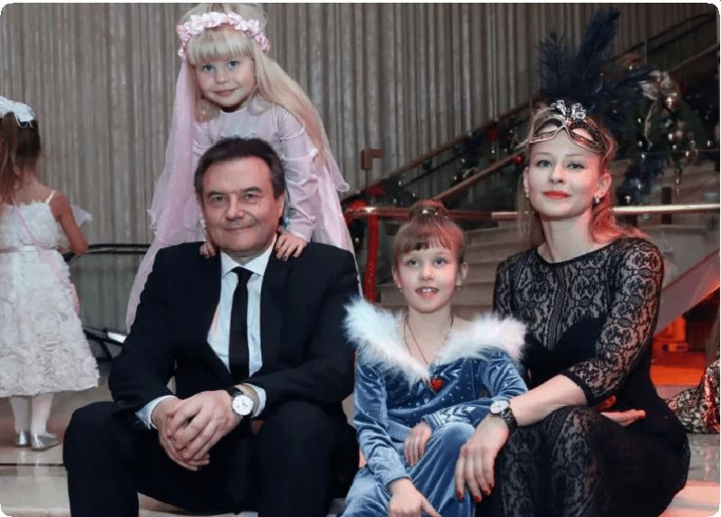 """""""А я люблю женатого"""": российские знаменитости, которые родили детей от женатых мужчин"""