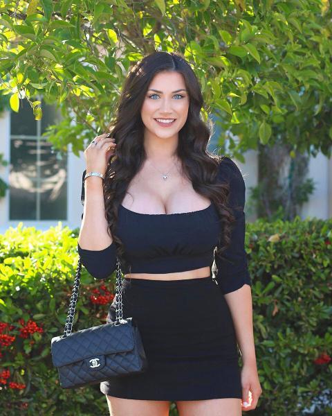 Джессика Бартлетт – американская Instagram-модель со степенью бакалавра
