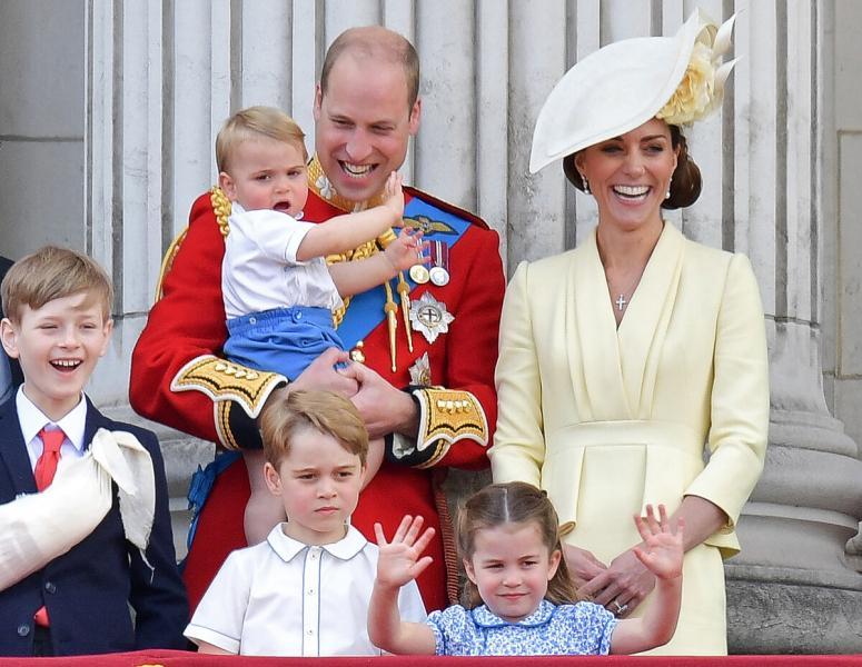 Кейт и Уильям не постесняются порвать с королевскими традициями ради принца Джорджа