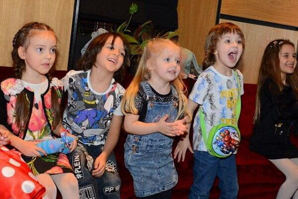 Лиза и Гарри в честь 8-летия Мартина показали лучшие ФОТО с детьми Филиппа Киркорова...