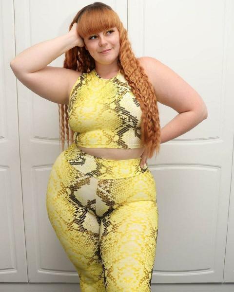 Над девушкой смеялись из-за лишнего веса, а она еще поправилась и пошла в Plus Size модели