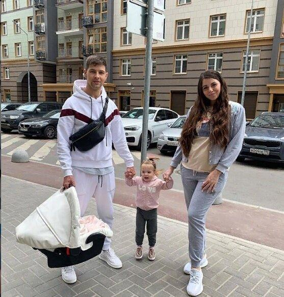Ольга Рапунцель будет делать ремонт за испорченые обои
