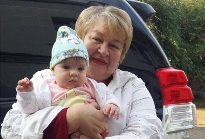 Ольга Рапунцель решилась отдать на время старшую дочку свекрови