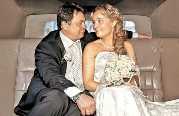Слава на пользу: пять российских актеров, которые нашли счастье в браке со своими фанатками