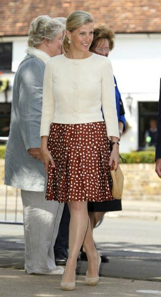 Софи, графиня Уэссекская сменила стиль, чтобы выглядеть по-королевски