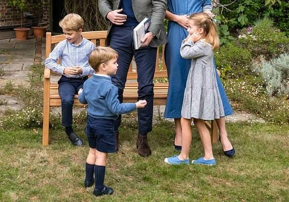 Британцам не понравилось, как Кейт Миддлтон одела своих детей на встречу с Дэвидом Аттенборо