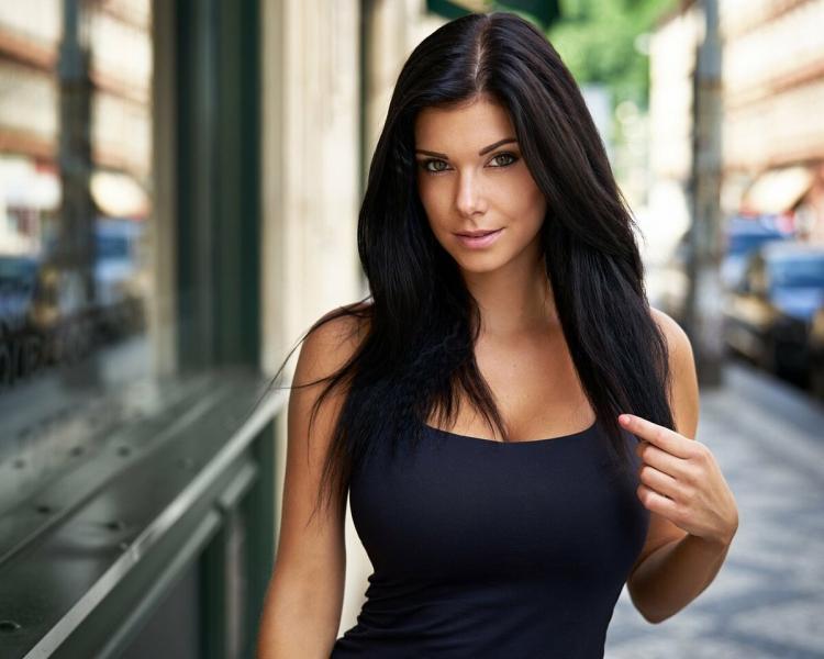 Почему я фотографирую простых девушек, а не профессиональных моделей?
