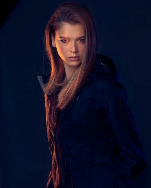 2 новых фотографий Александры Солдатовой, подчеркивающих ее красоту, грациозность и изысканность