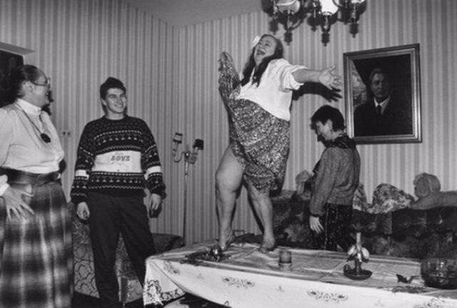 «Когда мы были молодыми» — ностальгические фотографии из Советского Союза звезд кино и эстрады. Часть 4