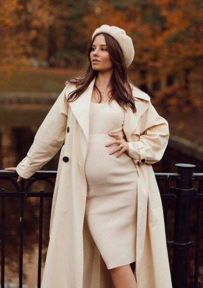 Валерия станет бабушкой? Лиана Шульгина поделилась в сети нежными фотографиями своей беременности