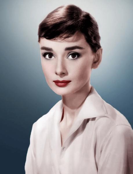 15 самых красивых женщин в истории