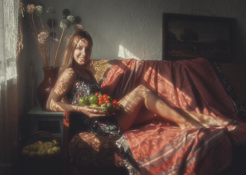 Деревенская девушка в фотофантазии от Антона Жилина