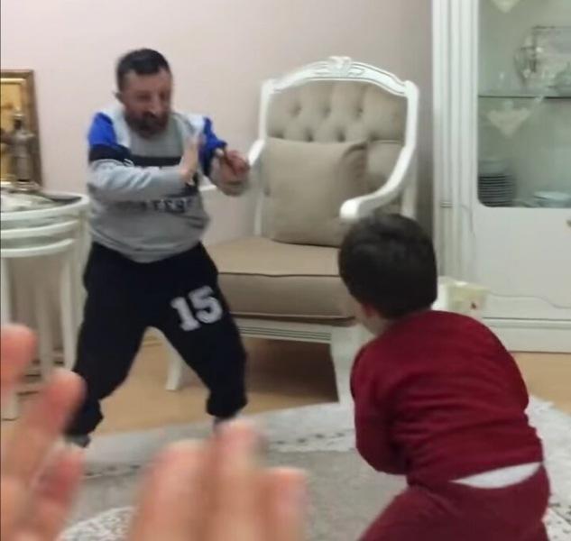 Со спины 10 лет, а в лицо 45. Звезда Инстаграма и чемпион Турции по боксу.