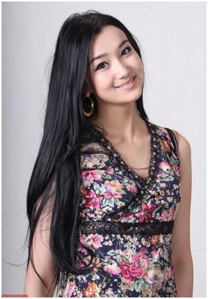 Красивые девушки тюркских народов. Часть вторая (18 фотографий)