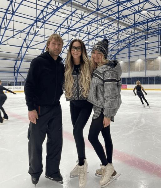 Ольга Бузова вновь вышла на лед- новое ледовое шоу Плющенко и Рудковской, тренировки начались