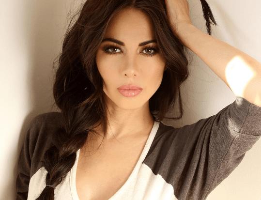Опасная красота: 10 самых красивых журналисток