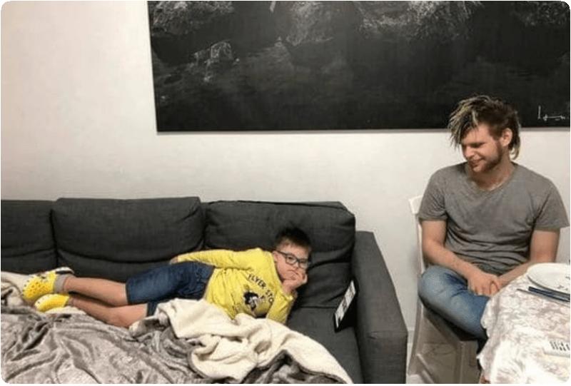 Как выглядит и чем занимается старший сын Эвелины Бледанс, который живет с отцом