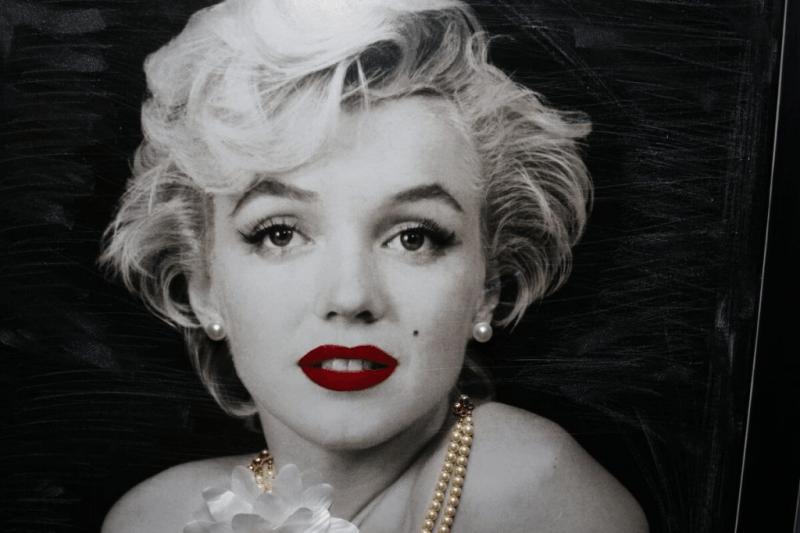 10 самых красивых женщин всех времён
