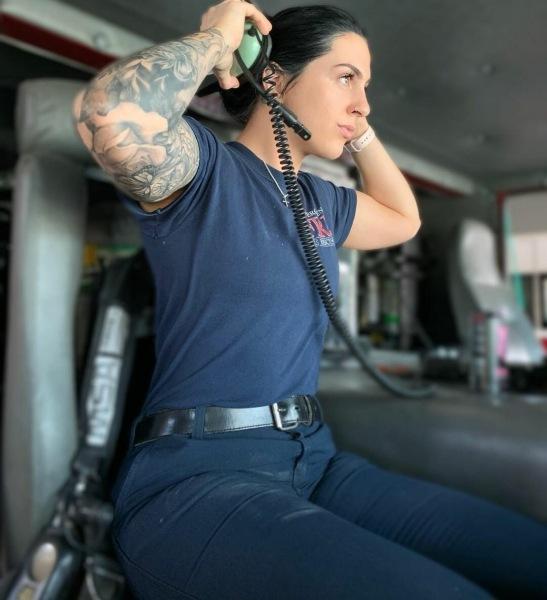 Девушка-пожарный из США была уволена за фотографии в Инстаграм. Показываю фото, из-за которых она лишилась работы