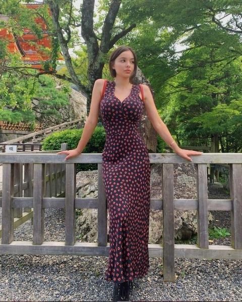 Софи Мадд. Её фигура создана, для рекламы купальников. Обсуждаем жизнь и фотографии девушки.