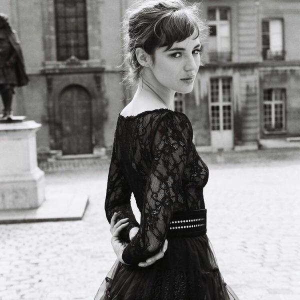Пять красивых девушек родом из Франции. Часть 2