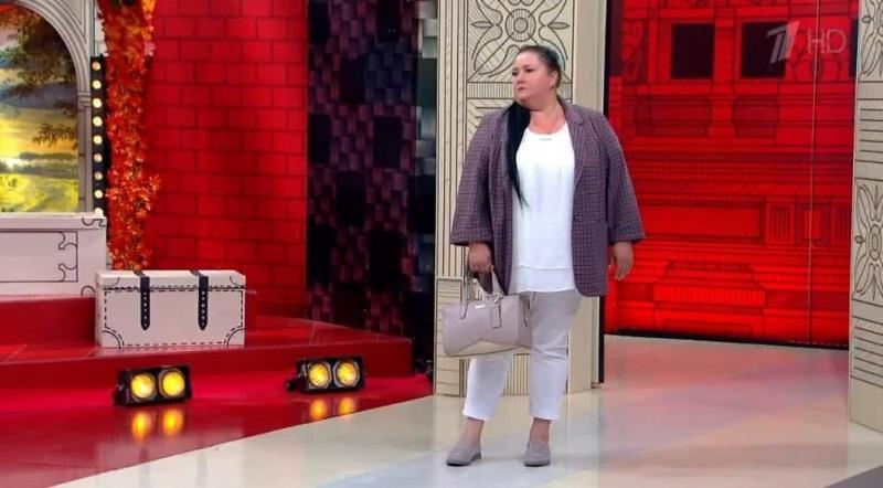 «Напоминают кухонную одежду»: Васильев и Хромченко в один голос призвали женщин отказаться от таких брюк
