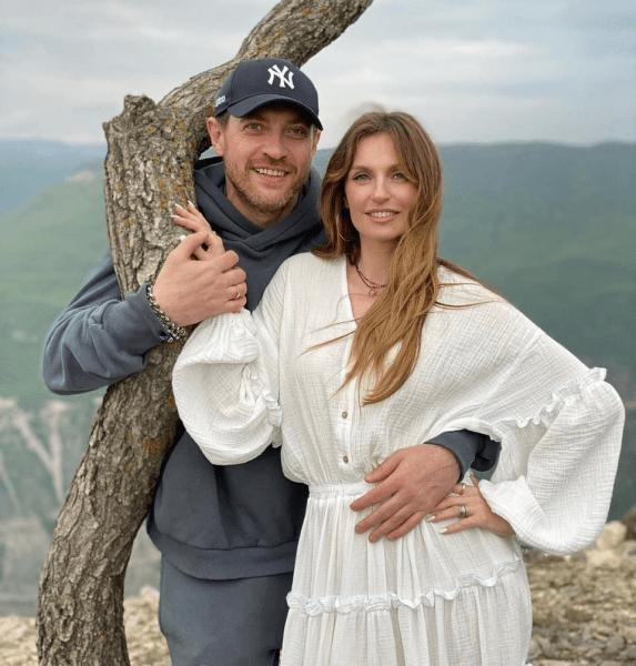 Саша Савельева и Кирилл Сафонов рассказали, как пережили кризис в семье после рождения ребенка