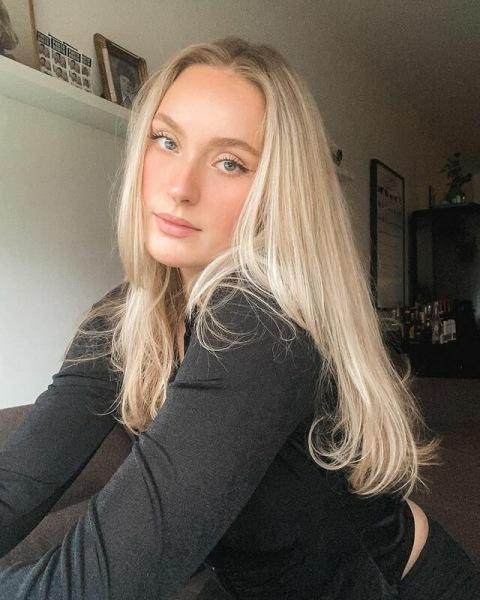 «Красивые» девушки из Исландии