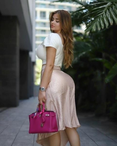 Красивые девушки с фигурой песочные часы
