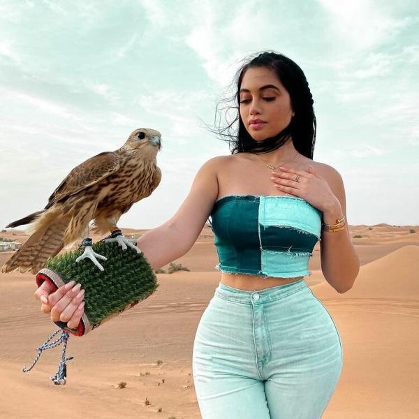 «Красивые» девушки с фигурой песочных часов. Часть 2